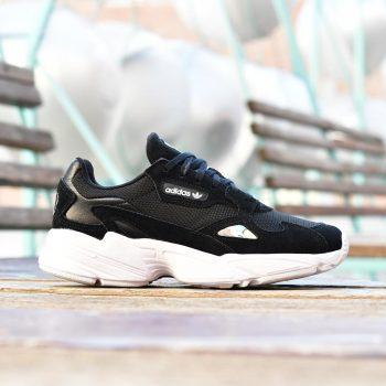 B28129_amorshoes-adidas-originals-Falcon-W-Core-Black-Footwear-White-zapatilla-retro-negra-suela-blanca-balenciaga-B28129