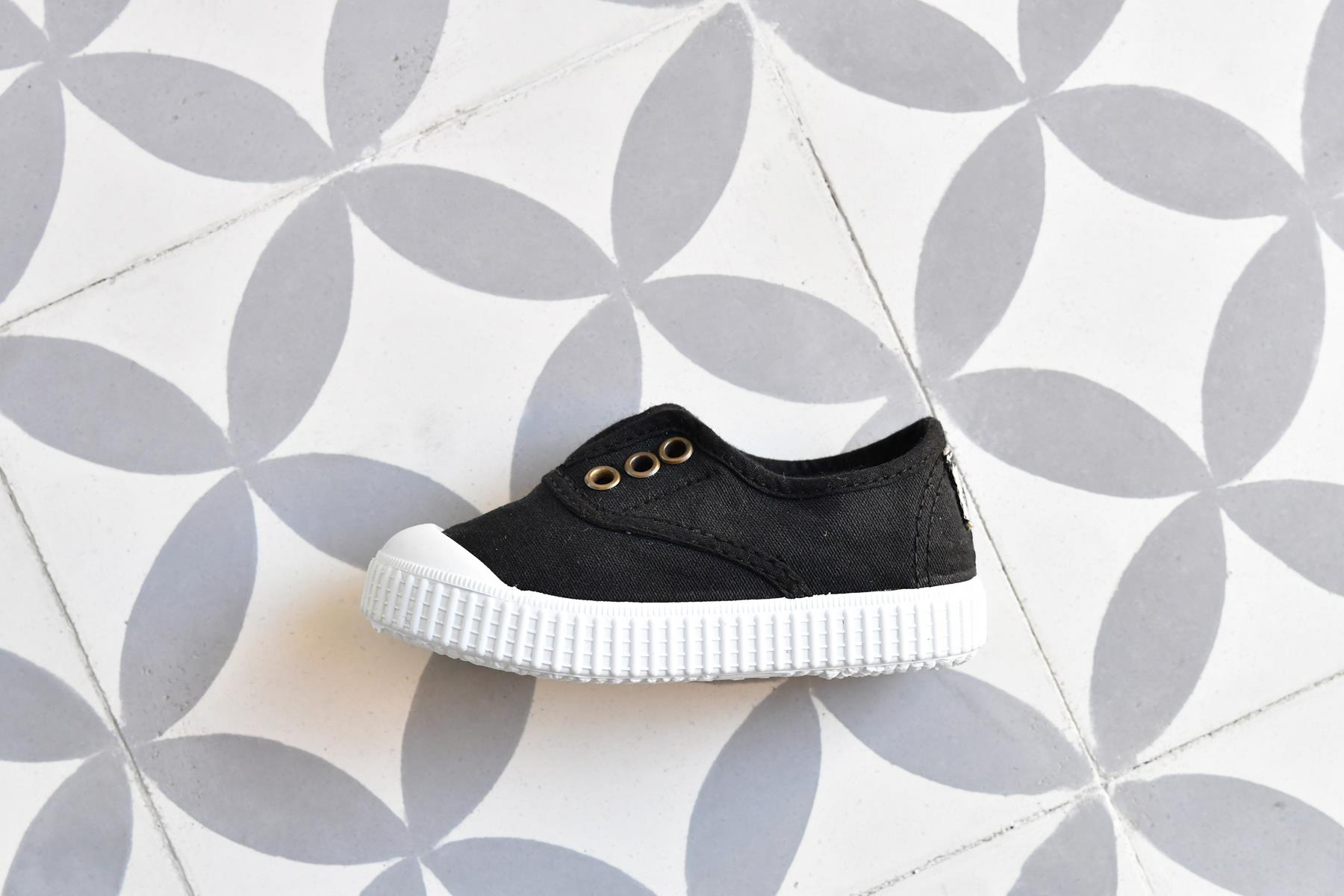 Zapatilla Inglesa Victoria 6627 Negro AmorShoes