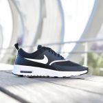 599409-028_amorshoes-nike-sportwear-Air-Max-Thea-WNMS-Black-White-zapatilla-nylon-malla-negra-logo-blanco-camara-de-aire-599409-028
