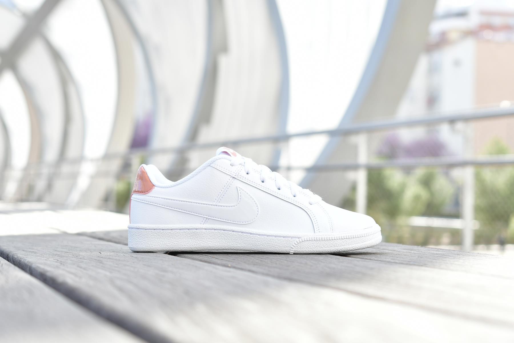 749867-116_amorshoes-nike-sportwear-Court-Royale-White-Rose-Gold-zapatilla-piel-blanca-logo-oro-rosado-rosa-metalizado-749867-116