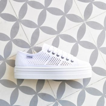 92128_amorshoes-victoria-plataforma-blucher-Barcelona-tricot-color-Blanco-zapatilla-calada-blanca-92128