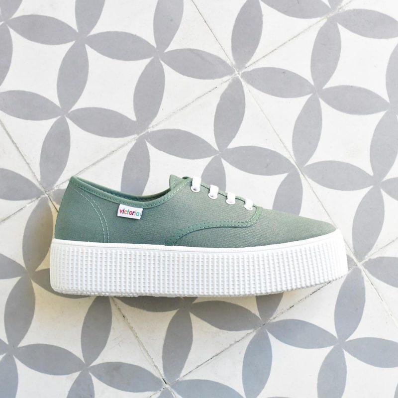 AmorShoes_116110-zapatilla-victoria-doble-suela-1915-plataforma-victoria-lona-verde-jade-piso-blanco-116110