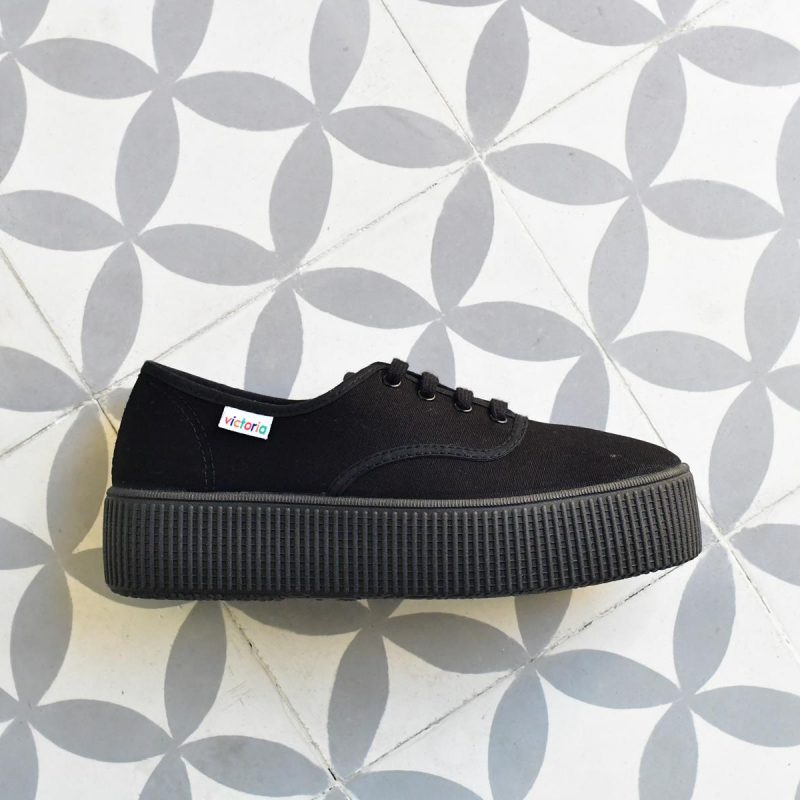 AmorShoes_116111-zapatilla-doble-suela-1915-platadorma-victoria-lona-negra-piso-negro-monocromo-116111