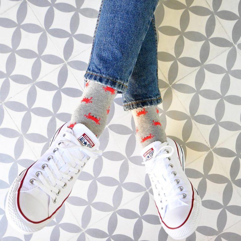 AmorShoes_AmorSocks-calcetines-socks-cangrejo-cangrejo-marisco-grab-gris-grey-gray