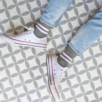 amorsocks-calcetines-socks-bajos-tobilleros-retro-rayas-gris-blanco