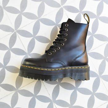 15265001_AmorShoes-bota-plataforma-Dr.Martens-jadon-black-polished-smooth-boots-botas-negro-negra-15265001