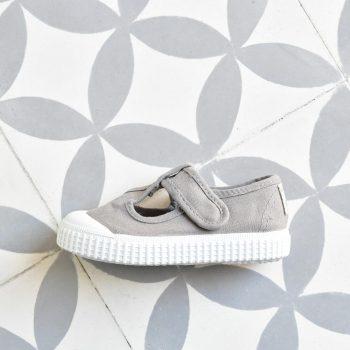 Sandalia Pepito Victoria 36625 Gris 36625_AmorShoes-Victoria-zapatilla-pepito-sandalia-color-gris-grey-niños-lona-sin-cordones-velcro-puntera-goma-36625