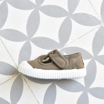 36625_AmorShoes-Victoria-zapatilla-pepito-sandalia-color-verde-militar-green-niños-lona-sin-cordones-velcro-puntera-goma-36625