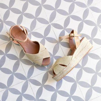 2f6de619a Sandalia Cuña y Tiras de Rafia Cruzadas Pölka Shoes Natural