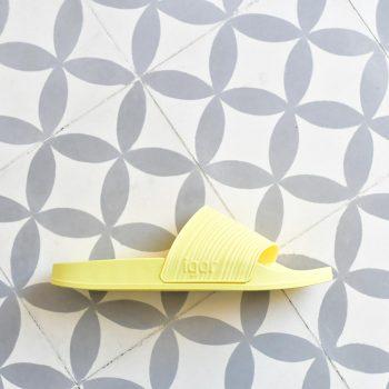 S10212-008_AmorShoes-Igor-Shoes-BEACH-6.1.-chancla-de-pala-sandalia-goma-mujer-color-yellow-amarillo-S10212-008