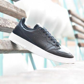 EE7727_AmorShoes-Adidas-Originals-Supercourt-J-Core-Black-Footwear-White-Piel-Negra-Suela-Blanca-EE7727