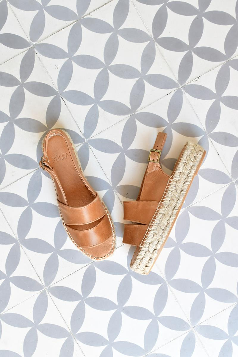 Sandalia Plataforma Pölka Shoes Carlota Cuero 265P